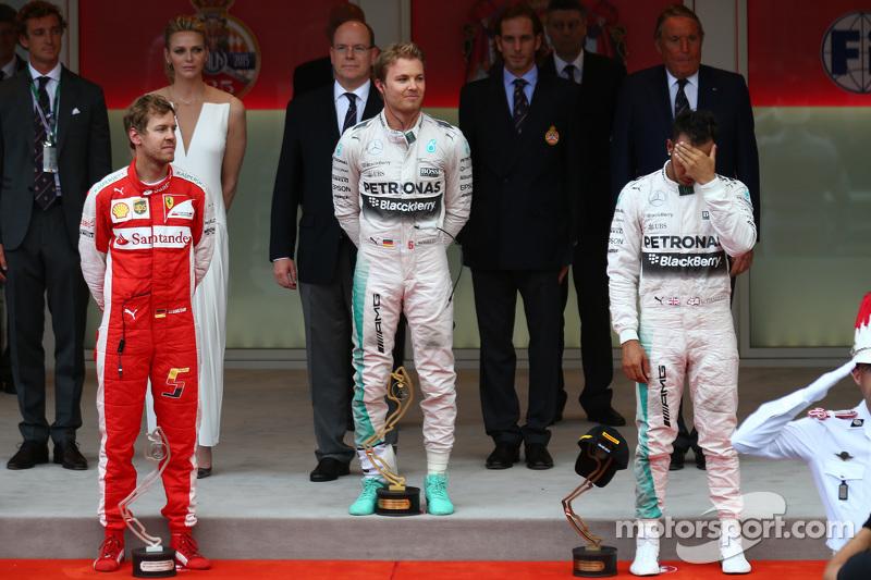 Podium: second place Sebastian Vettel, Ferrari Ferrari SF15-T and winner Nico Rosberg and third plac