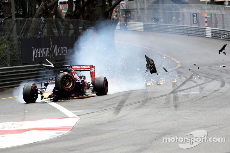 Макс Ферстаппен, Scuderia Toro Rosso зіткнувся з Ромен Грожан, Lotus F1 Team