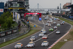 Start of the third group: #253 Lubner Motorsport Opel Astra OPC Cup: Daniel Bohr, Michael Brüggenkamp, Robert Schröder, Roger Vögeli and #254 Team Flying Horse Opel Astra OPC Cup: Raphael Hundeborn, Winfried Assmann, Ronja Assmann lead