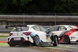 Стефано Комини, SEAT и Джанни Морбиделли, Honda – авария