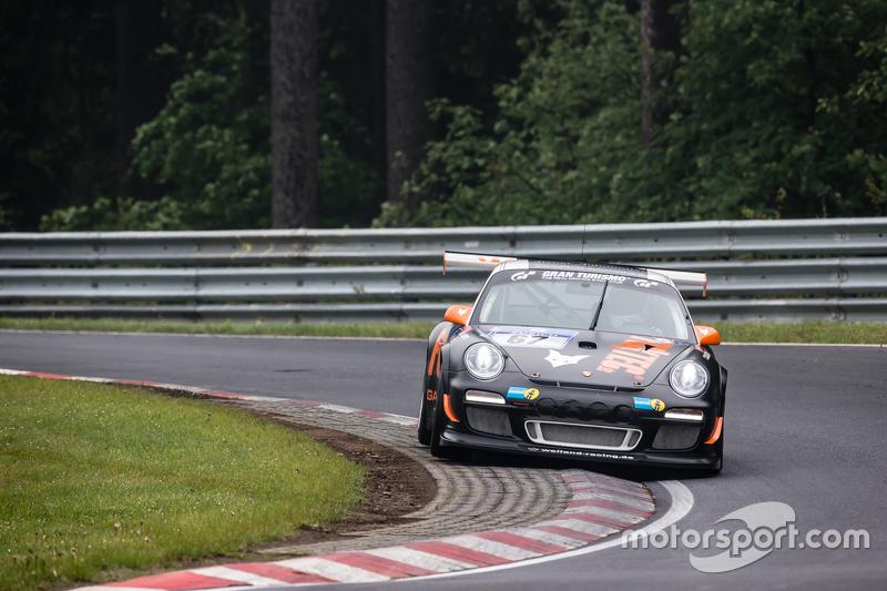 #67 Porsche 997 GT3: Andreas Weiland, Guido Wirtz, Oleg Kvitka