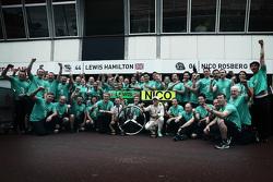 Nico Rosberg, Mercedes AMG F1 Team merayakan his win