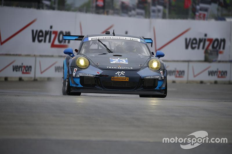 #23 Alex Job Racing, Porsche 911 GT America: Ian James, Mario Farnbacher