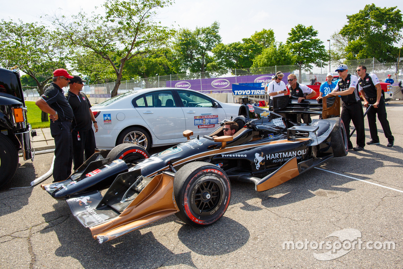 La vettura incidentata di Josef Newgarden, CFH Racing Chevrolet