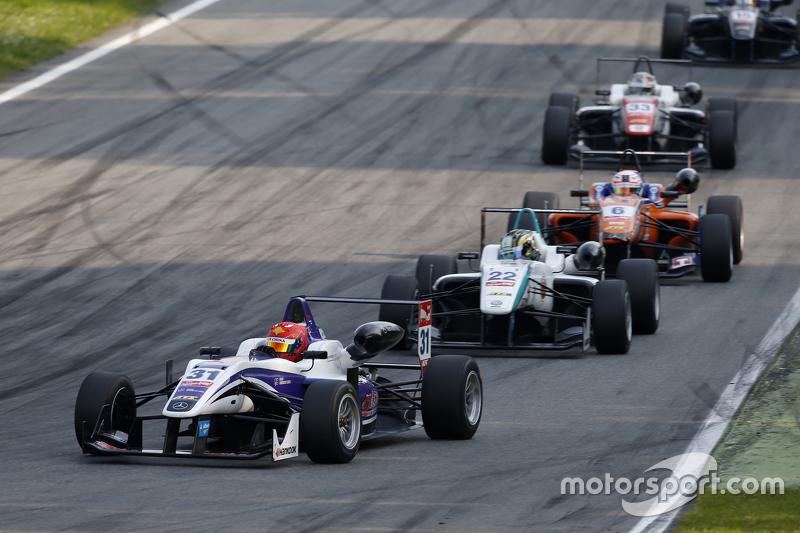 Martin Cao, Fortec Motorsports Dallara Mercedes-Benz та Набіль Джеффрі, Motopark Dallara Volkswagen