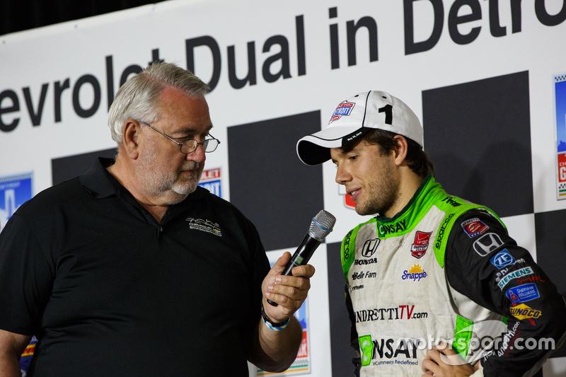 Race winner Carlos Munoz, Andretti Autosport Honda