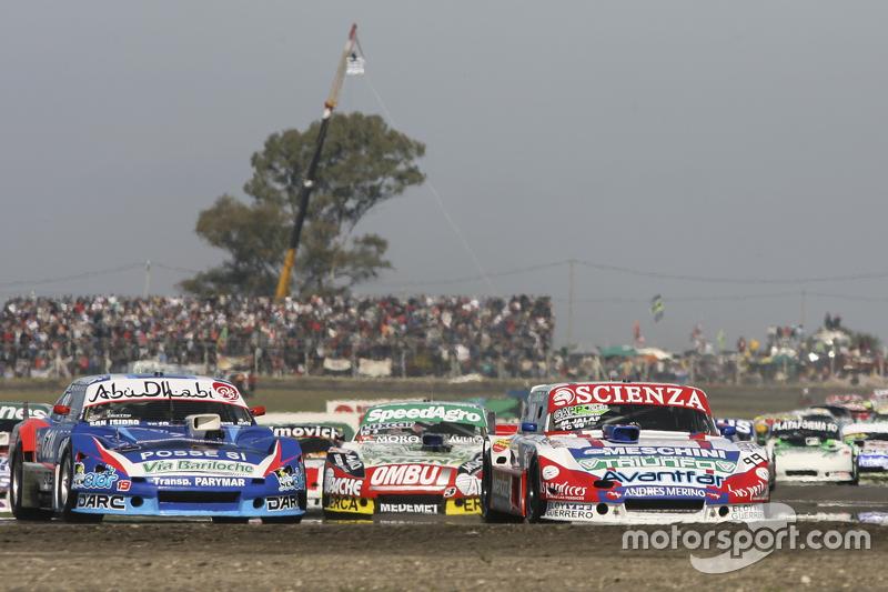 Матіас Халаф, Alifraco Sport Ford та Матіас Родрігес, UR Racing Dodge та Факундо Ардуссо, Trotta Com