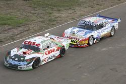 Technical scrutineering Carlos Okulovich, Maquin Parts Racing Torino and Lionel Ugalde, Ugalde Compe