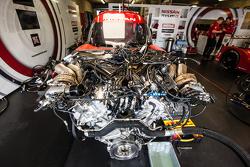 Nissan Motorsports, Nissan GT-R LM NISMO, Motor