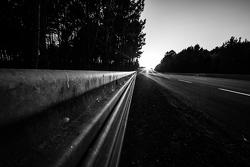 24 Uren van Le Mans sfeer bij zonsondergang