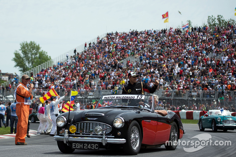 Pastor Maldonado, Lotus F1 Team on the drivers parade