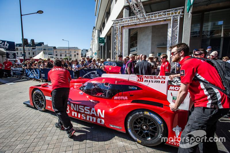 #23 Nissan Motorsports, Nissan GT-R LM NISMO