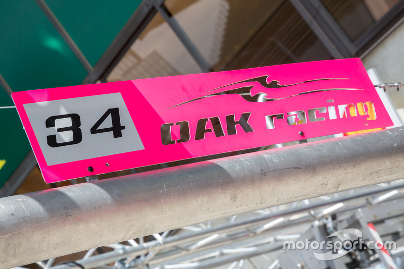OAK Racing pit stall sign