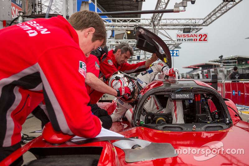 #23 Nissan Motorsports, Nissan GT-R LM NISMO: Jann Mardenborough