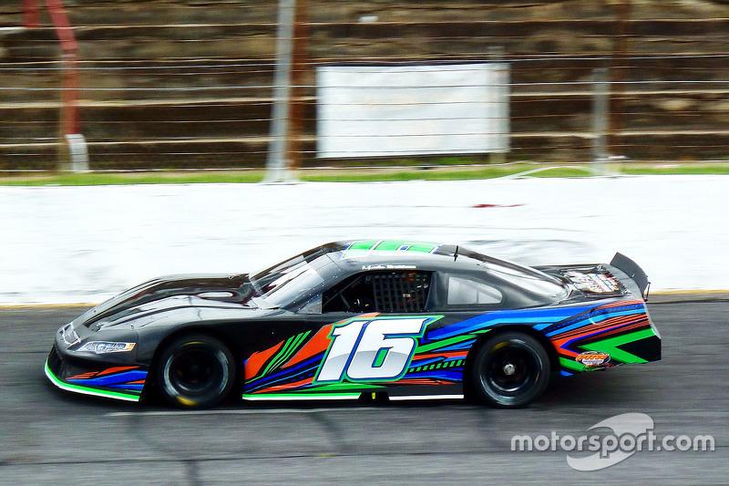 Метт Бребем тестує a Late Model from David Gilliland Racing