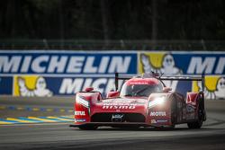 #23 Nissan Motorsports Nissan GT-R LM NISMO: Оливье Пла, Ян Марденборо, Макс Чилтон