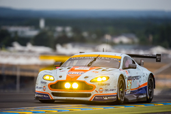 #96 Aston Martin Racing Aston Martin Vantage GTE: Франческо Кастеллаччи, Роальд Гете, Стюарт Холл