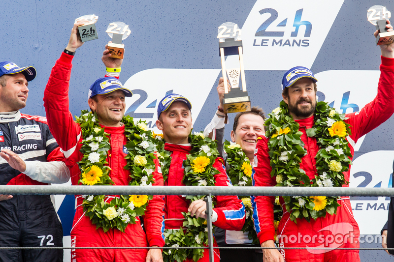 LMGT-Am-Podium: 3. #62 Scuderia Corsa, Ferrari 458 GTE: Bill Sweedler, Townsend Bell, Jeff Segal