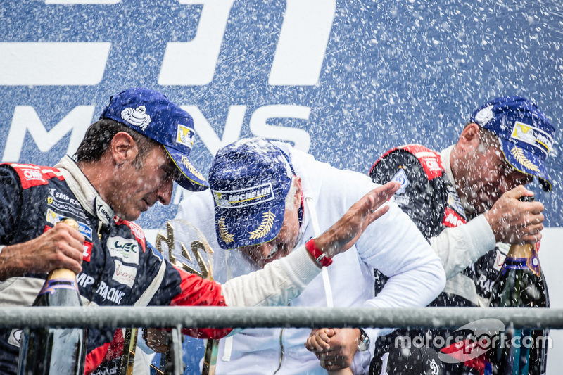 LMGT-Am-Podium: Champagner-Feier