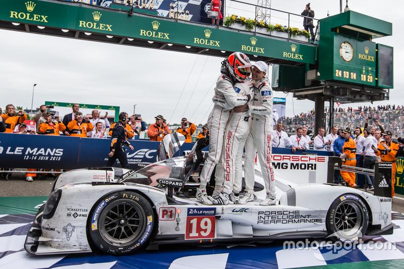 Parc fermé: race winners #19 Porsche Team Porsche 919 Hybrid: Nico Hulkenberg, Nick Tandy, Earl Bamb