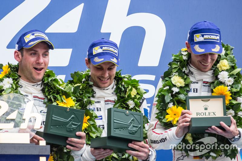 LMP1 podium: class, dan overallJuara balapanPorsche Team: Nico Hulkenberg, Nick Tandy, Earl Bamber