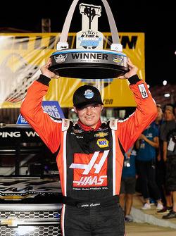 El ganador de la carrera, Cole Custer, JR Motorsports Chevrolet
