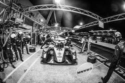 Boxenstopp für #37 SMP Racing, BR01: Mikhail Aleshin, Kirill Ladygin, Anton Ladygin