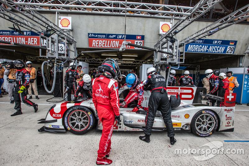 Boxenstopp für #12 Rebellion Racing, Rebellion R-One: Nicolas Prost, Nick Heidfeld, Mathias Beche