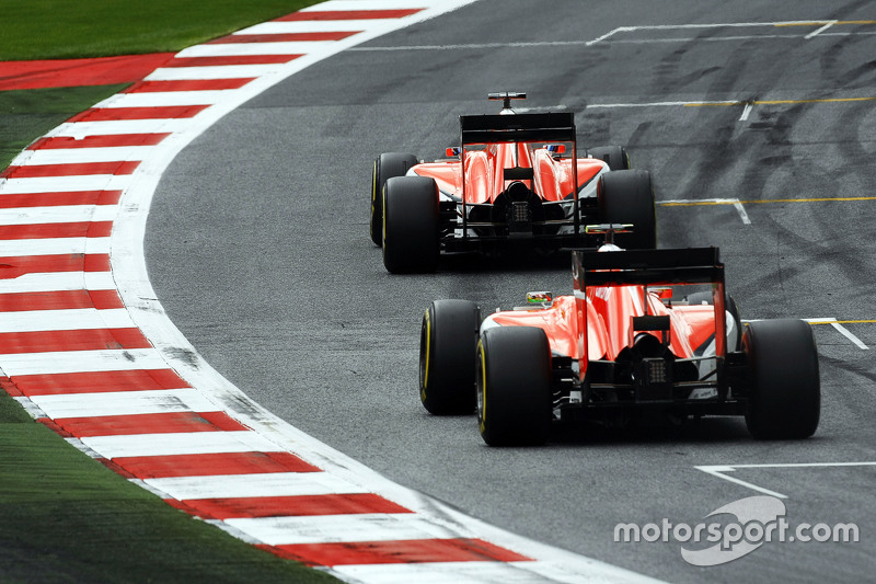 Will Stevens, Manor F1 Team leads team mate Roberto Merhi, Manor F1 Team