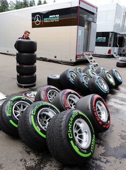Pirelli pirelli lavati dai meccanici Williams