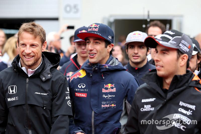 Jenson Button, McLaren Honda and Daniel Ricciardo, Red Bull Racing