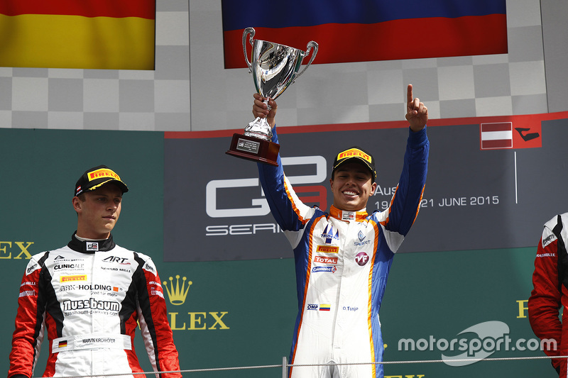 Race winner Oscar Tunjo, Trident and second placed Marvin Kirchhofer, ART Grand Prix