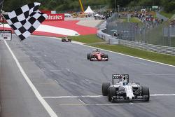 Felipe Massa, Williams FW37 takes third place