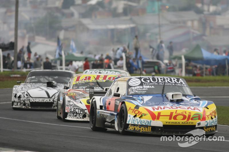 Луїс Хосе де Пальма, Indecar Racing Torino та Серхіо Ало, Coiro Dole Racing Chevrolet та Лаурено Кампанера, Donto Racing Chevrolet