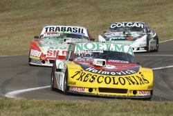 Prospero Bonelli, Bonelli Competicion, Ford; und Mariano Altuna, Altuna Competicion, Chevrolet, und Gaston Mazzacane, Coiro Dole Racing, Chevrolet