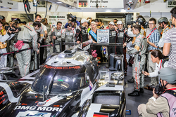 Ambiance during pole winning celebration for #18 Porsche Team Porsche 919 Hybrid: Romain Dumas, Neel Jani, Marc Lieb