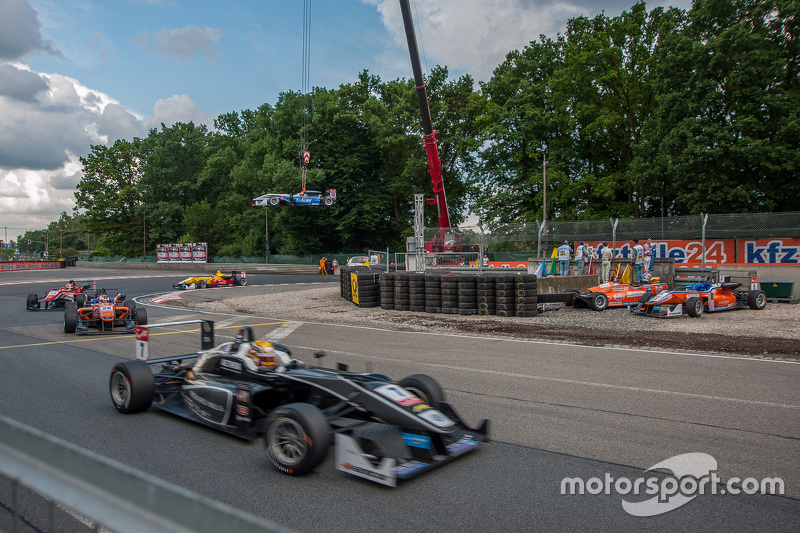 Чарльз Леклерк, Van Amersfoort Racing Dallara Volkswagen; П'єтро Фіттіпальді, Fortec Motorsports Dal