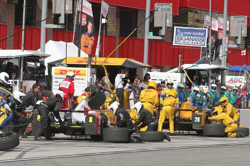 Sage Karam, Chip Ganassi Racing Chevrolet and Ryan Hunter-Reay, Andretti Autosport Honda