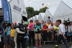 Нельсон Піке мол.., China Racing та переможець гонки Сем Бьорд, Virgin Racing