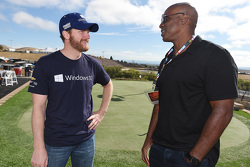 Dale Earnhardt Jr., Hendrick Motorsports Chevrolet avec le joueur de base-ball Barry Bonds