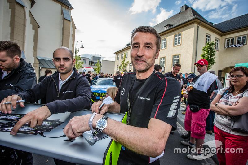 #2 Black Falcon, Mercedes-Benz SLS AMG GT3: Bernd Schneider