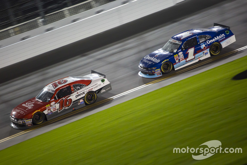 Ryan Reed, Roush Fenway Racing, Ford, und Elliott Sadler, Roush Fenway Racing, Ford