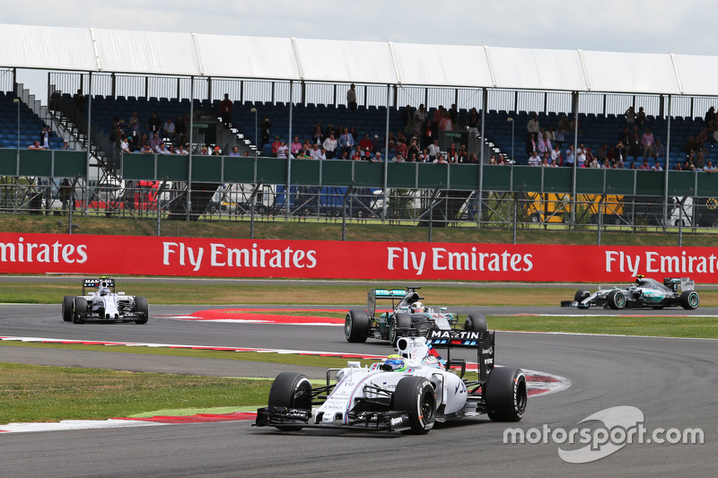 Felipe Massa, Williams FW37 leads the race