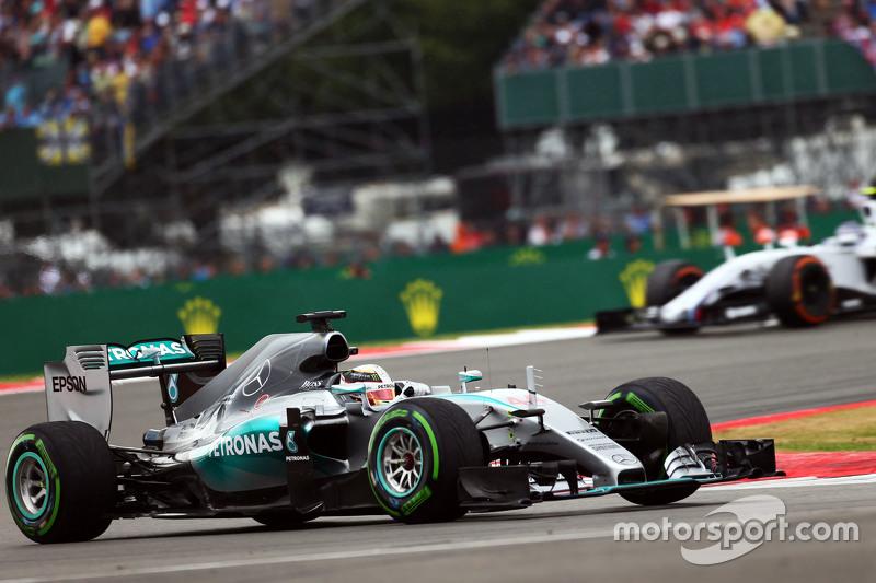 Lewis Hamilton, Mercedes AMG F1 W06.