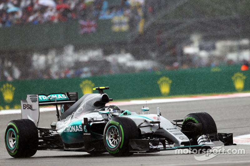 Nico Rosberg, Mercedes AMG F1 W06, im Regen