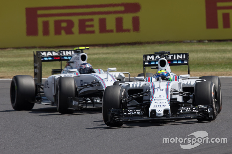 Felipe Massa, Williams FW37, vor Teamkollege Valtteri Bottas, Williams FW37