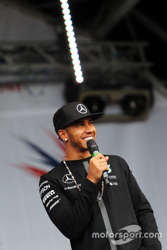 Lewis Hamilton, Mercedes AMG F1 di post race concert