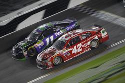 Denny Hamlin, Joe Gibbs Racing Toyota and Kyle Larson, Ganassi Racing Chevrolet