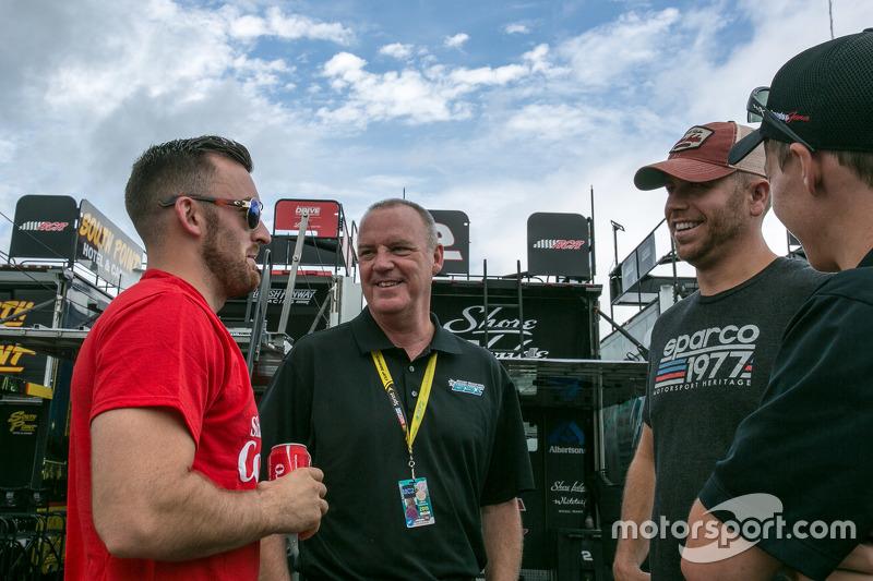 Austin Dillon, Richard Childress Racing Chevrolet dan Brian Scott