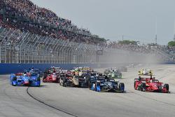 Start: Josef Newgarden, CFH Racing Chevrolet memimpin